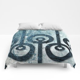 Order in Abstract I Comforters