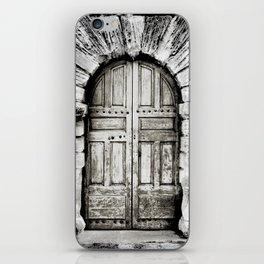 closed#01 iPhone Skin