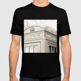 London telephone booth T-shirt