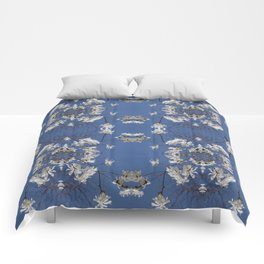 Star-filled sky (Star Magnolia flowers!) - diamond repeating pattern Comforters
