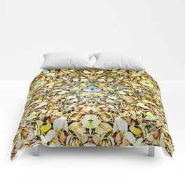 A Circle of Leaves Comforters