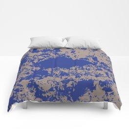mauer fleck Comforters