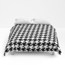 cats-tooth in black and white (houndstooth pattern) Comforters