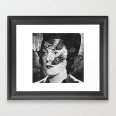 Je de flammes Framed Art Print