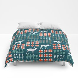 Cheerful Christmas pattern with deer Comforters