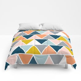 Triangulum Retreat Comforters