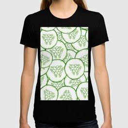 Cucumber slices pattern design T-shirt