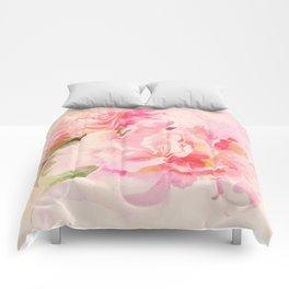 douces fleurs roses Comforters