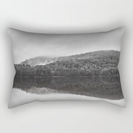 Reveil dans la brume Rectangular Pillow
