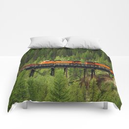 BNSF Going Over Goat Lick Creek Comforters