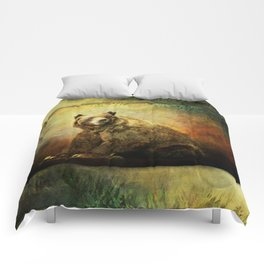 Grizzly Bear in Morning Sun Comforters