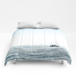 BOAT - WATER - OCEAN - SEA - PHOTOGRAPHY Comforters