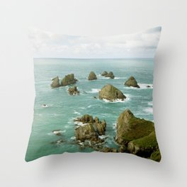 Where two oceans meet Throw Pillow