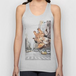 Selfie Giraffe in New York Unisex Tank Top
