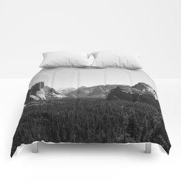 Tunnel View, Yosemite National Park III Comforters