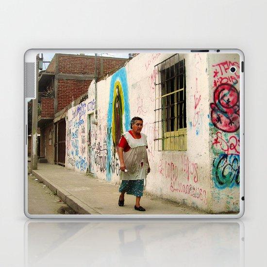 Woman in Guadalajara Laptop & iPad Skin