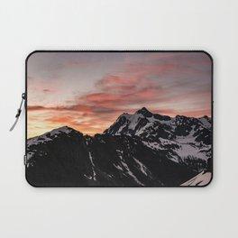 Pink Sky - Cascade Mountains - Nature Photography Laptop Sleeve