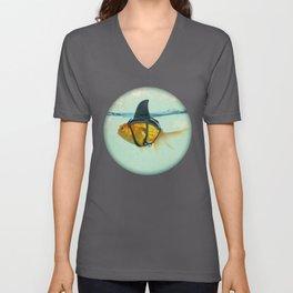 Brilliant DISGUISE - Goldfish with a Shark Fin Unisex V-Ausschnitt