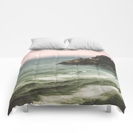 Pacific Northwest Grandeur - Heceda Lighthouse Comforters