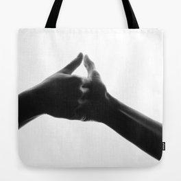 thumb war Tote Bag