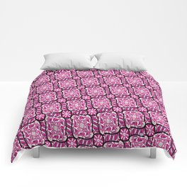 Abstract Pattern 3 Comforters