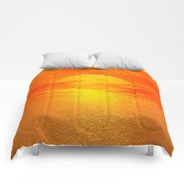 Sonne über dem Meer Comforters