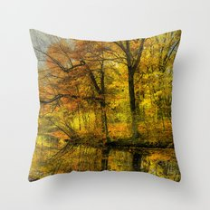 Fall colors of New England Throw Pillow