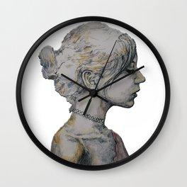 Mirando a lo lejos Wall Clock