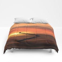 CORMORANT IN THE SUNSET Comforters