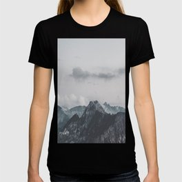 Calm - landscape photography T-shirt
