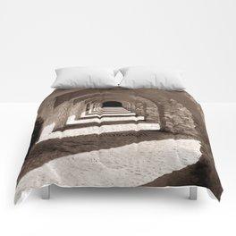 Corridors of Stone Comforters
