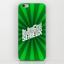 Le Jeu C'est Sérieux iPhone Skin