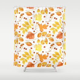 Watercolor autumn leaves seamless pattern on white background. Maple leave, hawthorn leave, birch le Shower Curtain