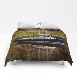 Little River Boat. Comforters