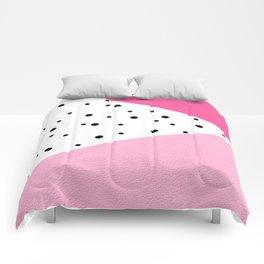 Black dots & pink leader Comforters