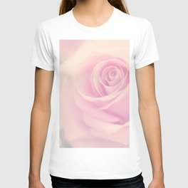 Vintage rose - Beautiful lightpink flower - Roses T-shirt