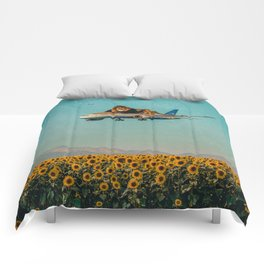 Lion on a plane Comforters