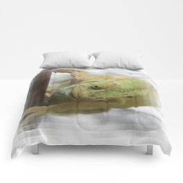 Chameleon: Fifty Shades of Green Comforters