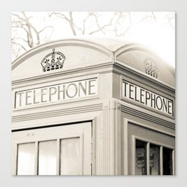 London telephone booth Canvas Print