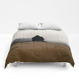 Defying gravity Comforters