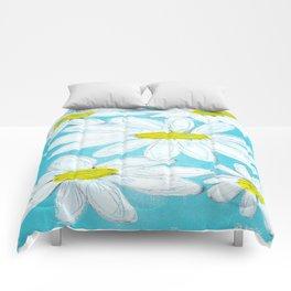 DAISIES AGAINST BLUE SKY Comforters