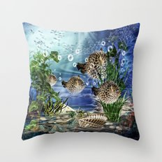 Kugelfische Throw Pillow