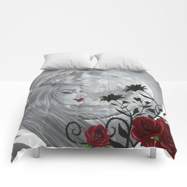 Light Side Of The Moon Comforters