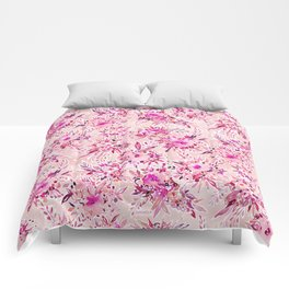 GIMME THAT Pink Wild Floral Comforters