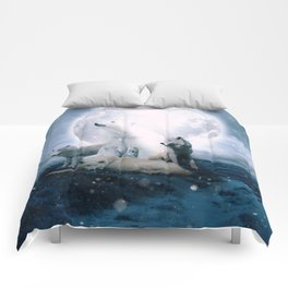 Wolves and the polar bear by GEN Z Comforters
