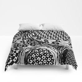 pulsating checkers Comforters