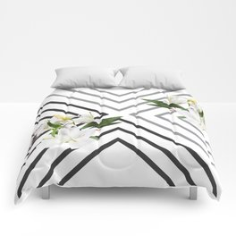 White Flowers & Squares Comforters