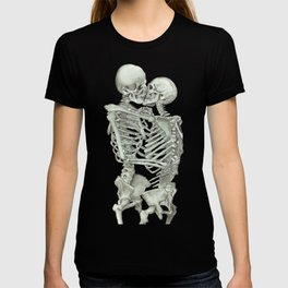 Valentine's Day: Skeleton Kiss T-shirt
