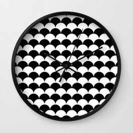 Black and White Fan Shell Pattern Wall Clock