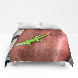 Green Anole Comforters